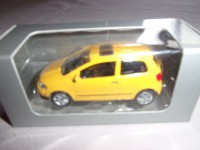 1/54 VOITURE MINIATURE DE COLLECTION  3 INCH VOLKSWAGEN FOX JAUNE NOREV