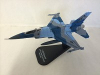 1/100 AVION F-16C BLOCK 30 ITALERI