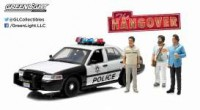 "1/18 FORD CROWN VICTORIA POLICE INTERCEPTOR 2000 ""VERY BAD TRIP (2009)"" AVEC 3 FIGURINES-GREENLIGHT"