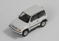 1/43 VOITURE MINIATURE DE COLLECTION Suzuki Escudo blanc-1992-IXO PREMIUM-X