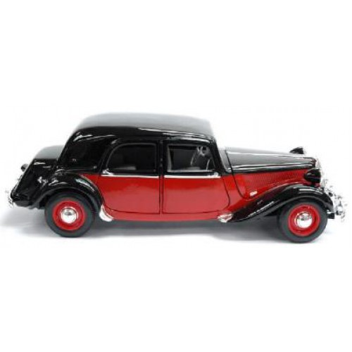 1 18 voiture miniature de collection citroen traction. Black Bedroom Furniture Sets. Home Design Ideas