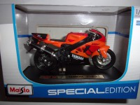 1/18 MOTO MINIATURE DE COLLECTION YAMAHA YZF-R7 SPECIAL EDITION MAISTO
