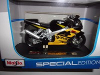 1/18 MOTO MINIATURE DE COLLECTION SUZUKI GSX R600 SPECIAL EDITION-MAISTO