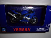 1/18 MOTO MINIATURE DE COLLECTION YAMAHA YZF-R6-NEWRAY