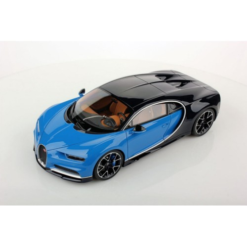 1/18 voiture miniature bugatti chiron le patron / bleu clair