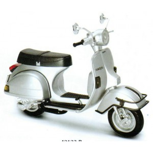 1/12 CYCLO MINIATURE DE COLLECTION Vespa P200E couleurs variables-1978-New RayNWR42123