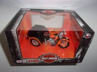 1/18 SIDE-CAR HARLEY-DAVIDSON SERVI-CAR 1947 ORANGE ET NOIR H-D CUSTOM MAISTO32420