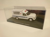 1/43 DIORAMA Chevrolet C-10 DU FILM JAMES BOND 007-Chevrolet C-10 Ambulance James Bond 007 Moonraker-Eaglemoss / Universal HobbiesDY096