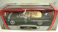1/18 Chrysler 300F 1960 noir Yatming Road