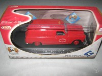 1/43 pompier Peugeot 403 break Solido
