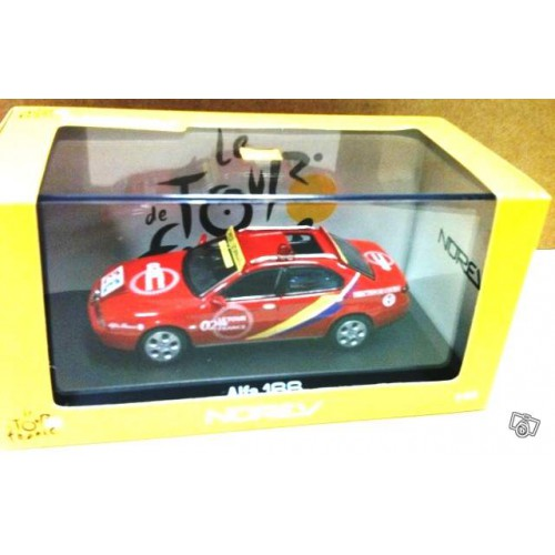 1 43 voiture tour de france alfa 166 norev vente de voitures miniatures pour collectionneurs. Black Bedroom Furniture Sets. Home Design Ideas