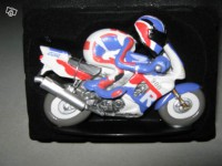 Figurine Joe Bar Team Honda 900 cbr fireblade n°51