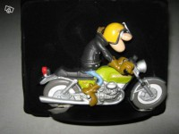 Figurine-Joe Bar Team moto Guzzi v7 sport n°46
