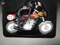 Figurine-Joe Bar Team moto Honda 350 cb kite n°18