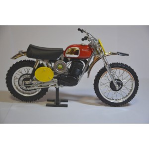 "1/12 MOTOCROSS Husqvarna 400 ""Challenge one"" Steve Mac Queen-1970-Reproduction Constructeur-REPHS1771000"