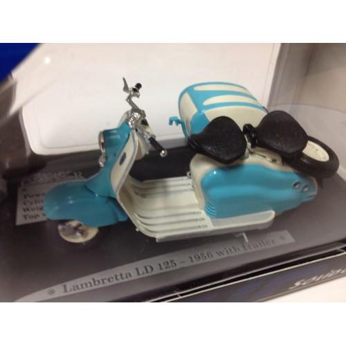 1 18 miniature de collection moto lambretta ld125 1956 avec remorque solido vente de voitures. Black Bedroom Furniture Sets. Home Design Ideas