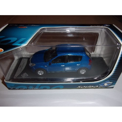1 43 voiture miniature de collection dacia sandero bleu 2008 solido vente de voitures. Black Bedroom Furniture Sets. Home Design Ideas