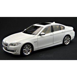 1/18 VOITURE MINIATURE DE COLLECTION BMW 535 i blanc-WELLYWEL11001WHI