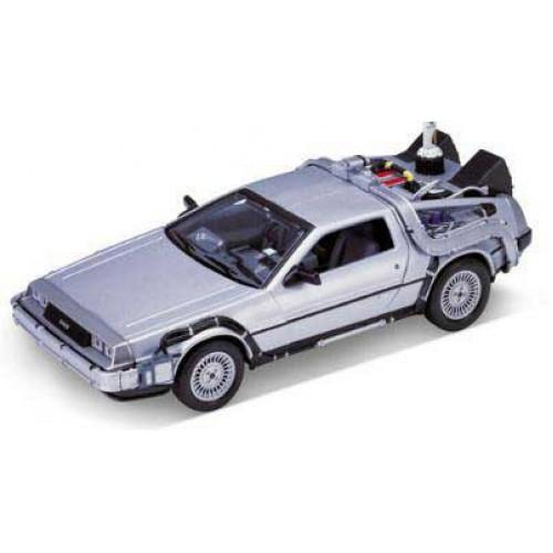 1 24 voiture du film delorean retour vers le futur episode 2 1983 welly22441 vente de. Black Bedroom Furniture Sets. Home Design Ideas